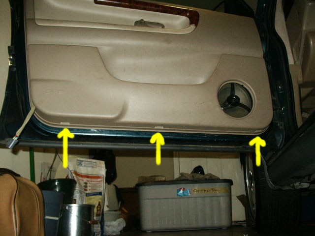 pict0295.jpg (73305 bytes) & Door Panel Removal Instructions for Volvo 960 Pezcame.Com